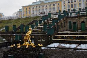 Стоимость билетов в музей-заповедник «Петергоф» вырастет до 450 рублей