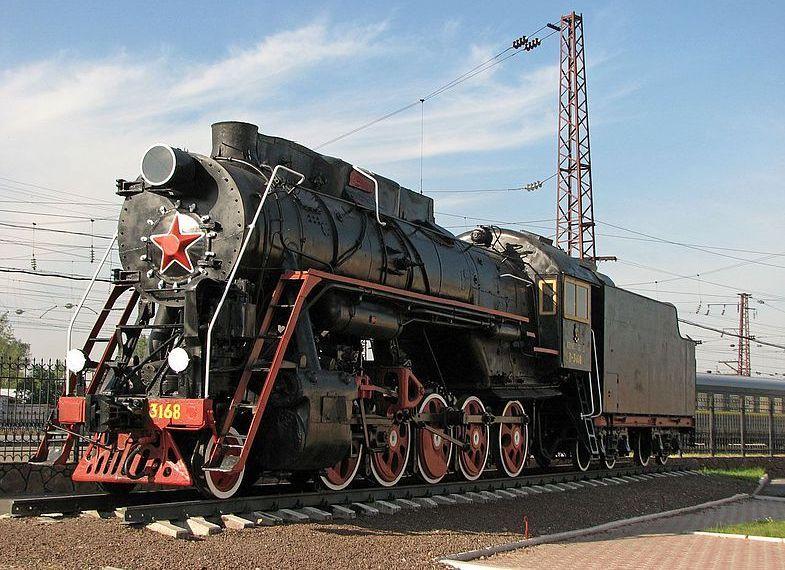 Памятник-локомотив Л-3168 в Абакане